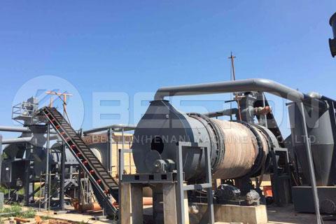 Equipo de fabricación de carbón vegetal sobre el trabajo en China