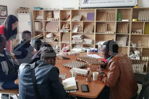 Los clientes de Mali vinieron a visitar a Beston