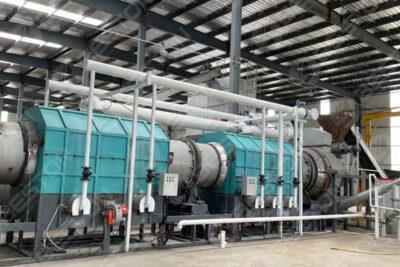 Machine de fabrication de charbon de bois BST-10 installée à Lianyungang, en Chine