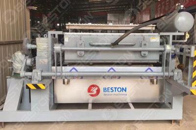 La machine de production de plateaux à œufs BTF4-4 expédiée en Irak en octobre